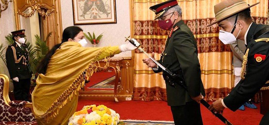 भारतीय सेनाध्यक्ष नरवणे मानार्थ महारथी लिएर स्वदेश फर्किए