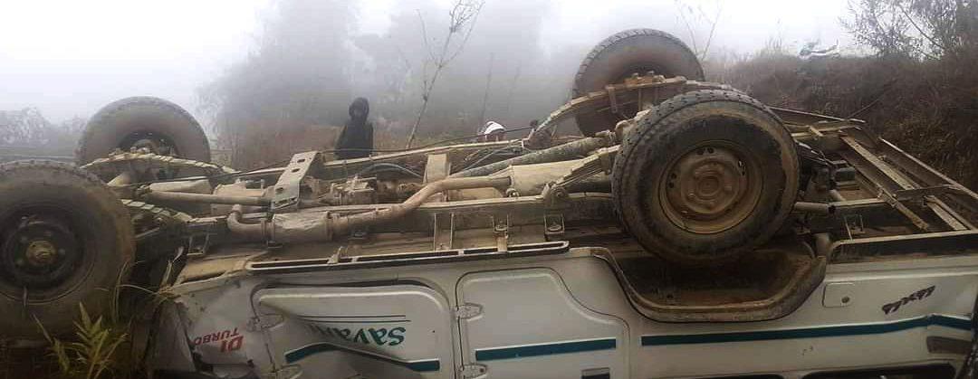माङसेबुङमा ट्याक्सी दुर्घटना हुदाँ ८ जना घाइते, घाइतेहरुको दमक नमस्ते पब्लिक हस्पिटलमा उपचार हुँदै